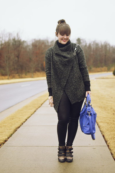 charcoal gray Sheinside sweater - black leather Express leggings