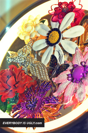 brooch vintage accessories