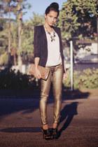 gold Scaramuggio Multimarcas necklace - black Arezzo shoes
