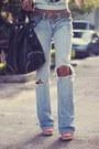 Periwinkle-vintage-jeans-brech-jeans-light-blue-the-orphans-arms-shirt