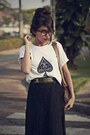 White-brashy-couture-t-shirt-brown-getulio-bag-gold-all-star-sneakers