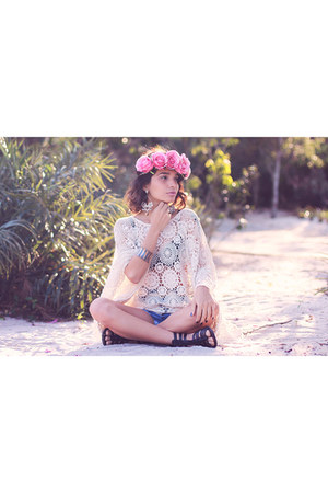 crochet Chicwish vest - flower crown Incantare hair accessory