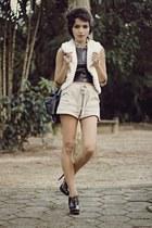 beige Zara shorts - black Arezzo heels