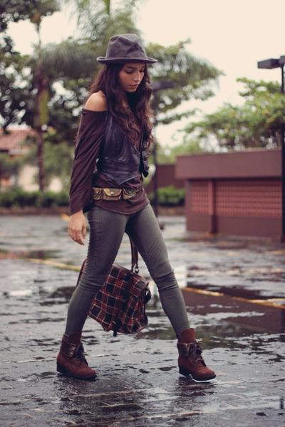 Andarella boots - Aquamar leggings - Di Santini bag - Zara top - Cantao belt
