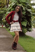 dark brown Andarella boots - ruby red Dress to coat - eggshell terminal d skirt