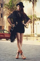 black iwearsin dress
