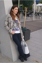 black Zara jeans - white vintage bag - white H&M t-shirt