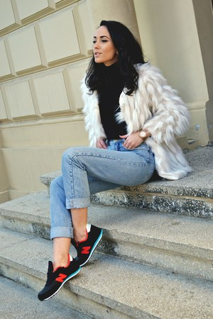 sky blue vintage jeans - cream faux fur Local store coat