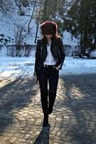 brick red faux fur Local store hat - black Bershka boots - black Zara jeans