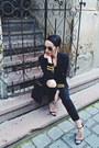 Ripped-zara-jeans-vintage-vertigo-blazer-zara-sandals-h-m-belt-zara-top