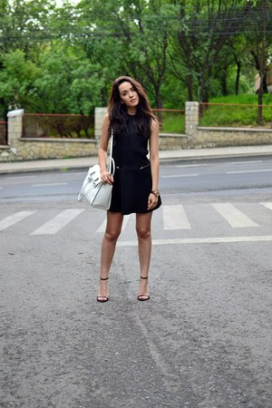 black Zara dress - white Stradivarius bag - black Zara sandals