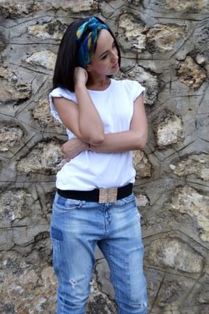 white boyfriends no brand t-shirt - sky blue boyfriend Zara jeans