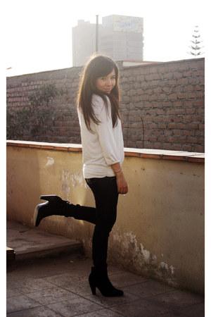 axxs boots - emporium jeans - Marquis top