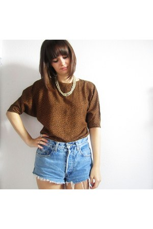 gold vintage necklace - light blue denim Rokit Vintage shorts