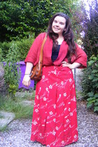 tawny vintage bag - black Primark vest - ruby red thrifted vintage blouse - red