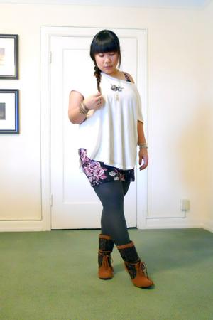 white emma&sam top - black H&M dress - gray HUE tights - brown Pink Studio boots