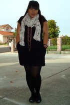 Old Navy dress - Target tights - Cathy Jean shoes - H&M scarf - Forever 21 acces