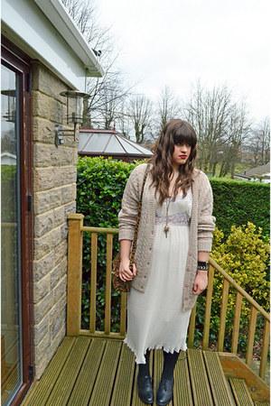 cream Topshop dress - black Topshop shoes - brown Accessorize bag