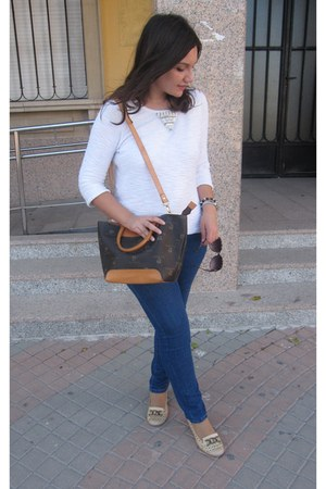 blue Venca jeans - tawny Pierre Cardin bag - brown Bershka sunglasses