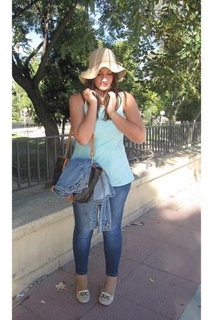 navy Venca jeans - camel H&M hat - tawny Pierre Cardin bag