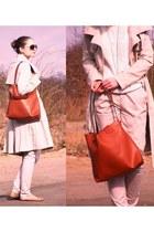 beige Ravel coat - burnt orange allegro bag