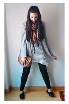 gray vintage blazer - white H&M t-shirt - black Bershka leggings - black Primark