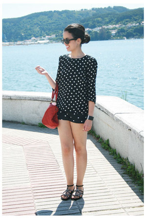 red BLANCO bag - black Zara shorts - black H&amp;M sunglasses - black Zara sandals -