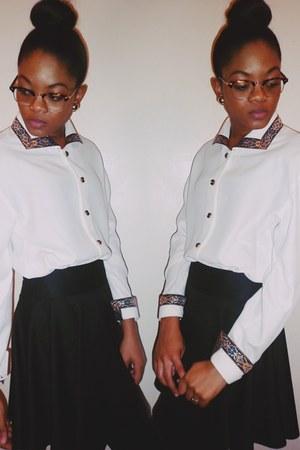 ivory vintage blouse - black skater skirt