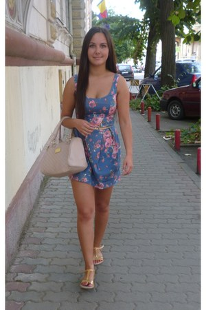 blue floral Atmosphere dress - light pink New Yorker bag - gold sandals