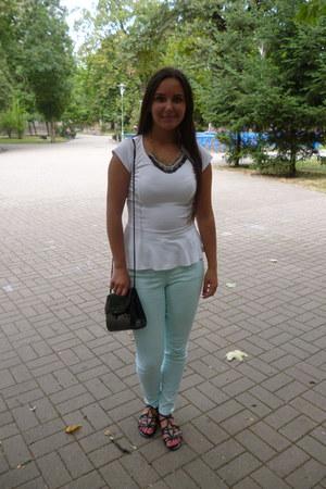 white peplum New Yorker top - aquamarine H&M jeans - black purse