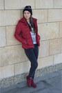 Brick-red-random-brand-shoes-black-new-yorker-hat-brick-red-terranova-jacket