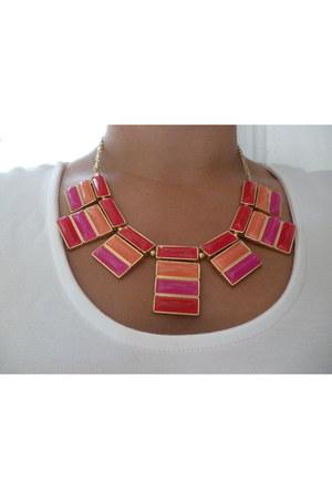 hot pink statement jeweliq necklace