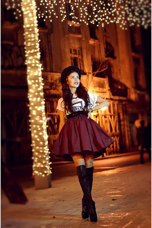 crimson skater skirt Sweet Paprika skirt - black over the knee Musette boots
