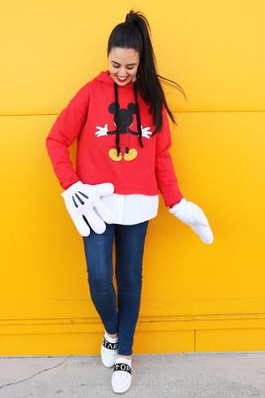 navy pull&bear jeans - white Zara sneakers - red pull&bear hoodie