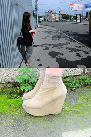 beige Topshop boots - beige Calzedonia socks - gray new look pants - black Topsh