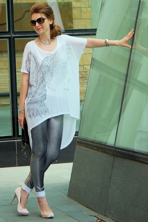 silver metallic marilyn leggings - white high-low American Retro t-shirt