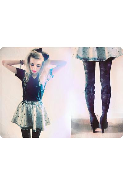 romwe skirt - black v neck American Apparel shirt