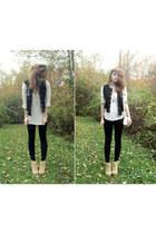 suede beige Deena & Ozzy boots - black varsity Forever 21 jacket