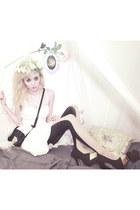 lavagrantbelle shop accessories - white bustier Jessica Simpson dress