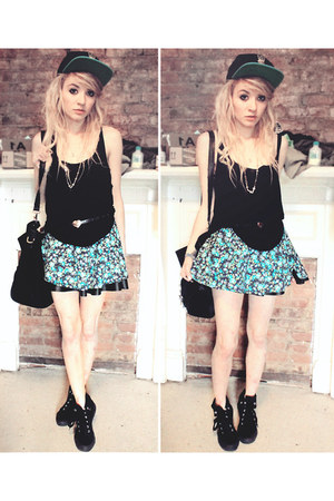 all black Apple Bottoms shoes - floral Forever 21 skirt - black tank H&M top