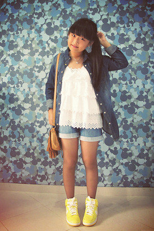navy pull&bear shirt - blue Gap shorts - yellow nike sneakers