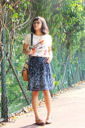 mustard shoulder Celine purse - navy night sky Esprit skirt