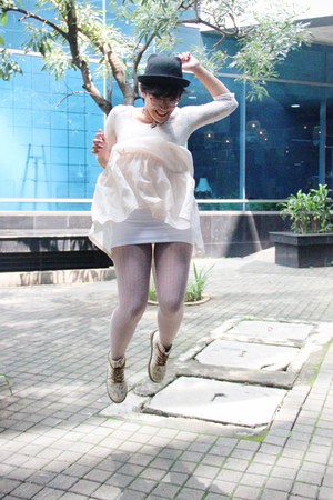 white printed golddigga boots - off white lace asos dress - black kitty c&a hat