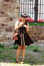 Army-green-thrifted-dress-dark-brown-vintage-purse-black-gifted-necklace