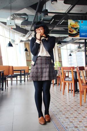 brown penny vintage loafers - black knit SOliver jacket - black spandex leggings