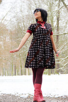 red leather Secondhand boots - dark brown batik hand-me-down dress