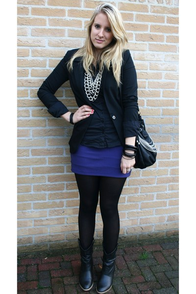New Yorker boots - Primark blazer - New Yorker purse - H&M necklace - H&M skirt