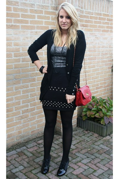 red Primark purse - black H&M boots - gray snake Vero Moda dress