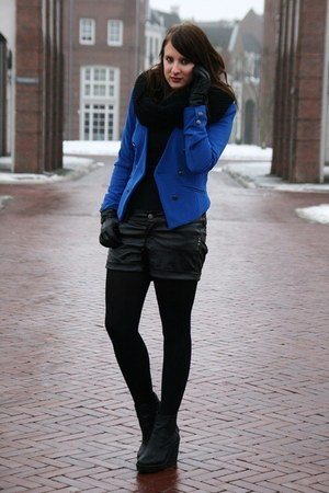 black Bershka shorts - blue Vero Moda blazer - black Monki wedges
