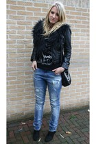 black H&M jacket - blue Zara jeans - black New Yorker purse - black H&M scarf -